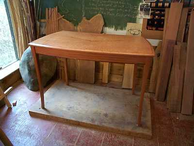 Image showing the curved pearwood desk